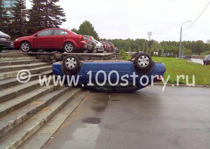 220508 32 Как паркуются блондинки   фото очевидца