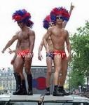 gay parad 127x150 Гей парад на балконе