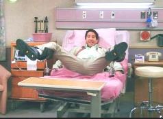 мужик в гинеклогическом кресле1 Как мужики гинекологическое кресло укатали